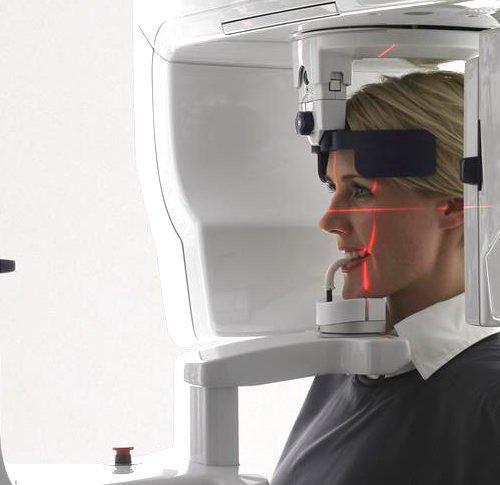 Scopri la T.C. Cone Beam, la tecnologia che ha sostituito la vecchia TAC nel nostro Check Up della salute dentale.